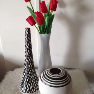 Porcelain and clay flower vase set
