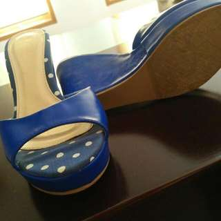 Vincci Blue Polkadot Wedges