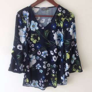 Jacqui E Bell Sleeve Floral Blouse