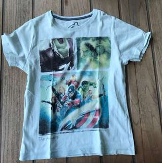 The Avengers T-shirt for a 6-8 years old