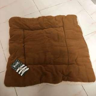 BN pet bed cushion