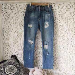 Straight Leg Raw Hem Jeans