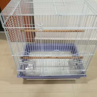 Selling off bird cage,3mth only.everything I clean up,looks new