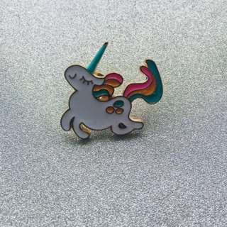Unicorn enamel pin🦄