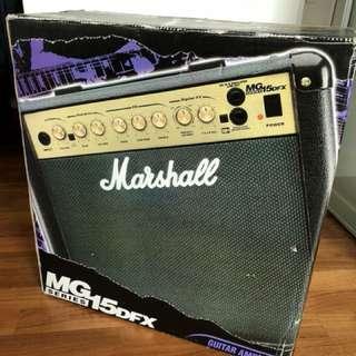 Guitar Amplifier MG 15DFX)