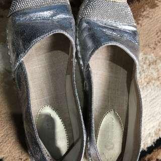 Sepatu Vizzano