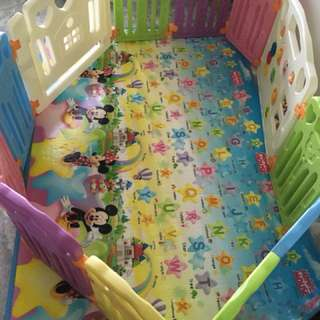 Original coby haus fence & play mat