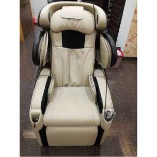 OSIM OS-808 uDivine Human 3D Massage Chair