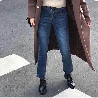 正韓 深藍微刷白牛仔褲