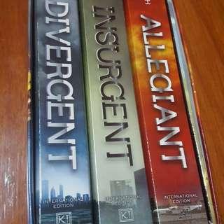 Divergent Series + Bonus Booklet