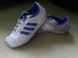 $50 adidas 蔚藍色波鞋 運動鞋