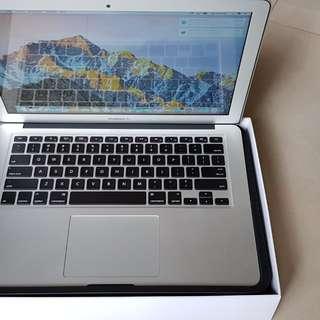 """Macbook Air 13"""" 1.6 GHz Core i5."""