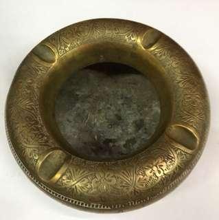 [2 TSST 018] Vintage ashtray
