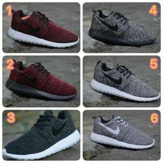 Sepatu Nike Rosherun Sneakers Pria