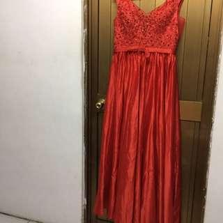 紅色v領禮服