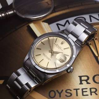 SOLD-       34mm Rolex Oyster Perpetual Date Ref.15010