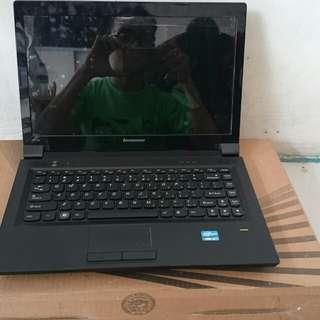 Laptop LENOVO V470c