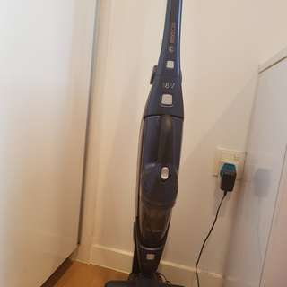BOSCH CORDLESS 2-IN-1 HANDSTICK VACUUM CLEANERL