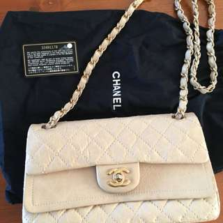 Classic Chanel in vintage style