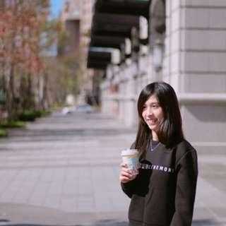 正韓 微太快材質上衣 黑色 銀色字體 短版顯瘦款 韓國空運 保暖上衣 現貨