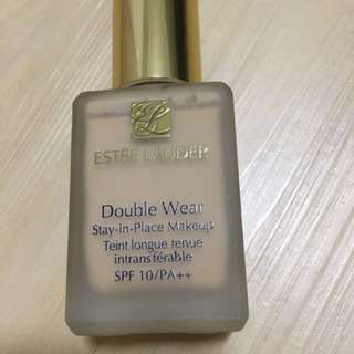 Estée Lauder Double Wear Foundation - 2WO (Warm Vanilla)
