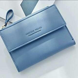 全新紫藍色銀包 有散紙位 短款銀包錢包