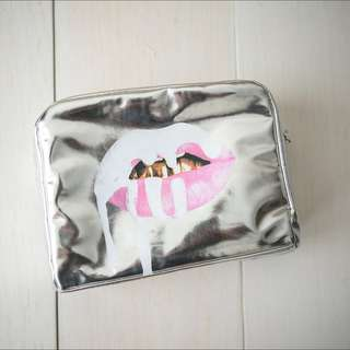 Makeup Bag | The Limited Edition Holiday Collection