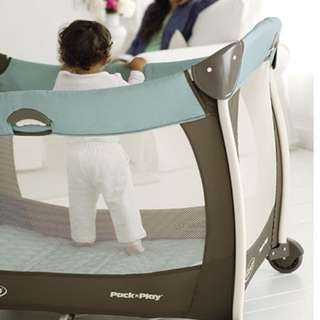 Graco Silhouette Pack 'N Play Playard and Mattress