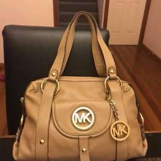 Authentic Michael Kors Fulton satchel