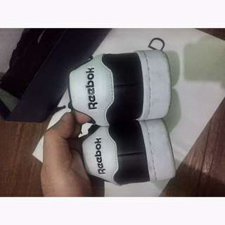 Preloved Reebok Shoes