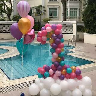 Number 1 balloon with side bouquet