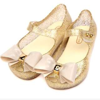 BN Girl Shoes in Gold 17cm
