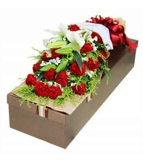 White lily and Red carnation Flower Gifts Box - 0085