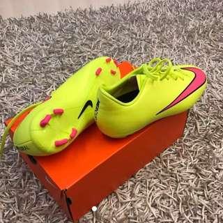 Nike Jr Mercurial Boots for Hard Field