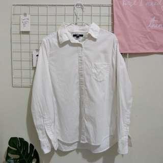 UNIQLO白襯衫