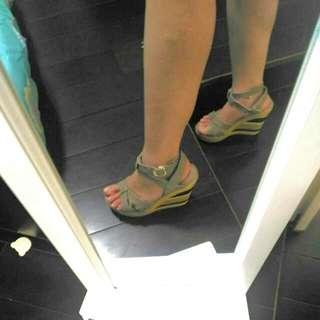 🚚 厚底楔形涼鞋