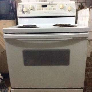 Whirlpool Super Capacity 465 Electric Stove and Oven (Used but not abused)