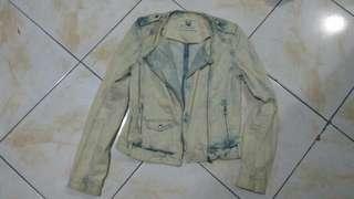 Jaket jeans cewe zara TRF premium wash denim wear rock'n roll preloved