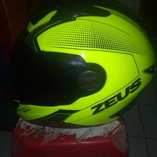 Helm full face zeus