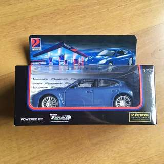 Panamera limited edition die cast (1:32 scale)
