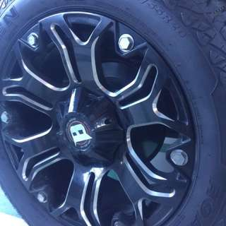 Rim with tires 275/55R20