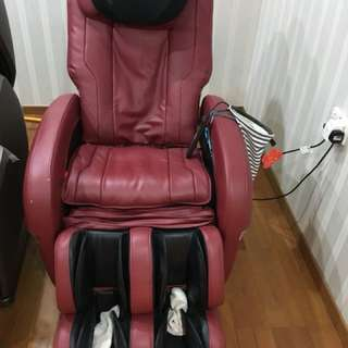 Luxurious Oto Massage Chair 3 months money back guatantee