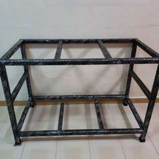 4ft x 2ft iron stand