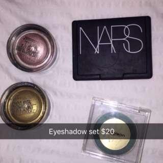 Bunch of eyeshadows