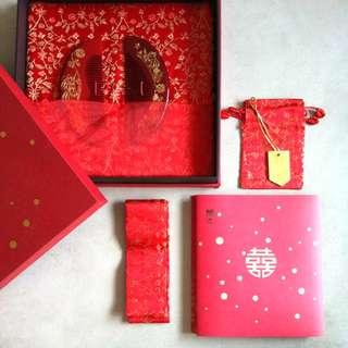 BNIB Vintage Chinese Wedding Combs Set