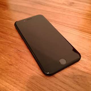 iPhone 7 (matte black 128GB)