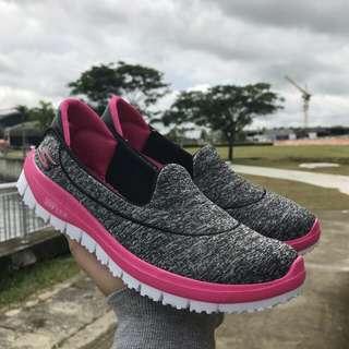 Skechers go flex grey pink