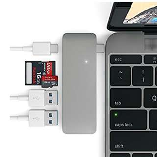 Type-C USB 3 in 1 Combo Hub with USB -C Charging)