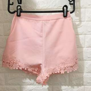 粉紅蕾絲短裙