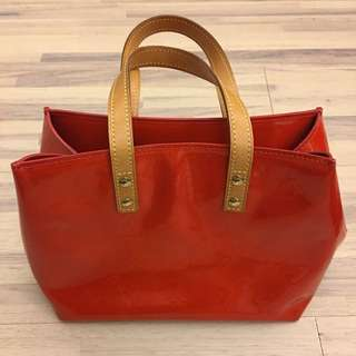 LV 包 Vernis leather